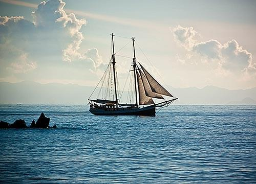 Yonder Sails A Ship - Choral