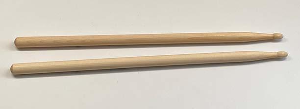 """Drumsticks - 16"""" Oak"""